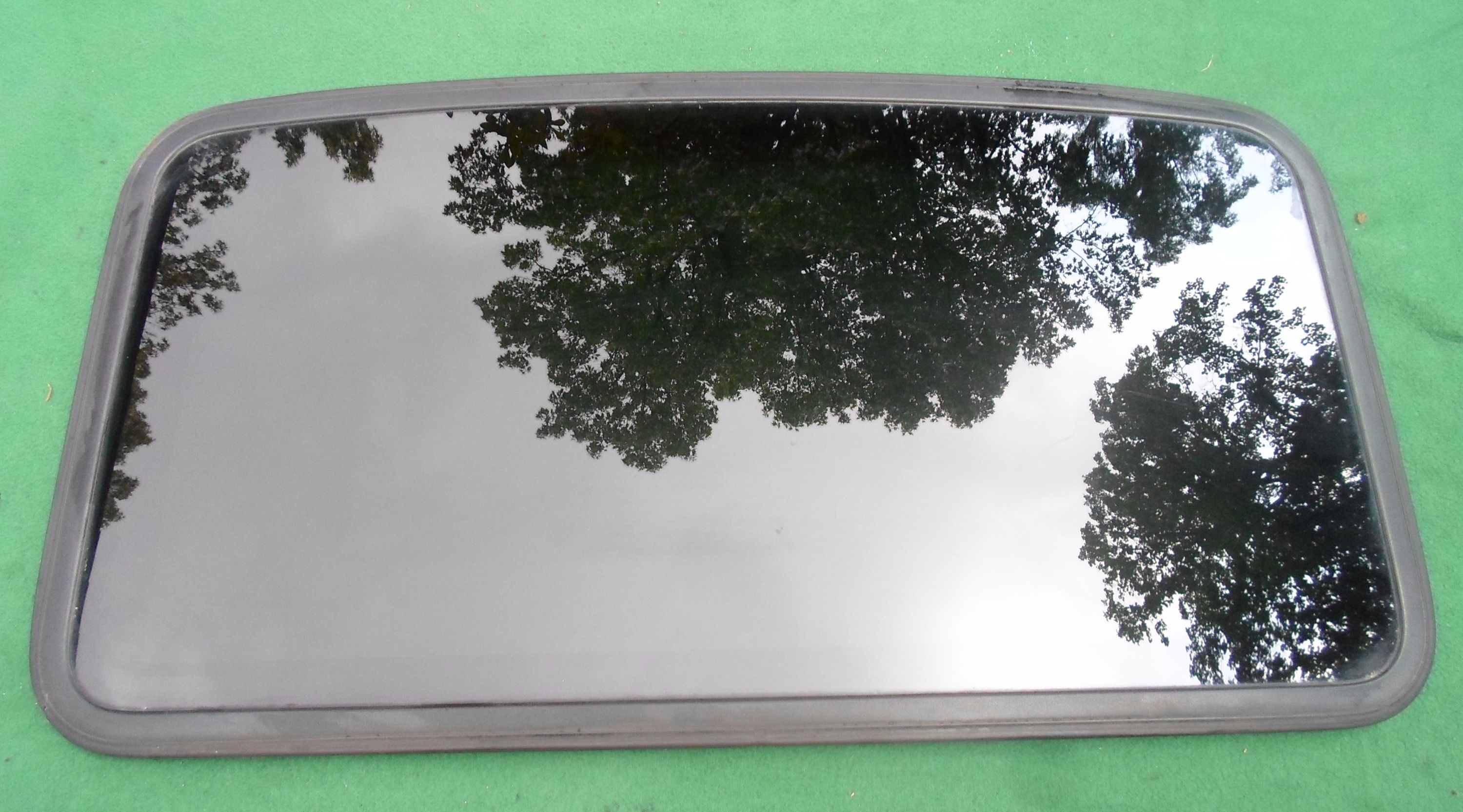 Geo Sunroof Glass