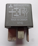 MITSUBISHI OEM RELAY MR400709