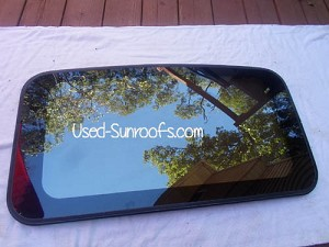 1996 BUICK RIVIERA SUNROOF GLASS 12371672