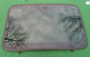 2001  ISUZU RODEO SPORT / AMIGO  FRONT  SUNROOF  GLASS 8972116960