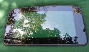 2001 MITSUBISHI DIAMANTE  SUNROOF GLASS