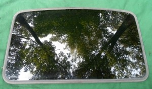 2004 LINCOLN LS SUNROOF GLASS 3W4Z-54500A18-AA; 3W4Z54500A18AA