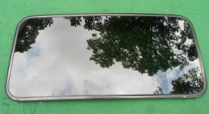 2004 MITSUBISHI LANCER SUNROOF GLASS