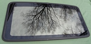 1998 VOLVO S90 OEM SUNROOF GLASS 9447664