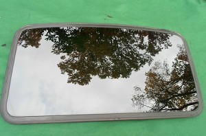 2003 TOYOTA COROLLA SUNROOF GLASS 63201-02050; 6320102050; 63201-01010, 6320101010
